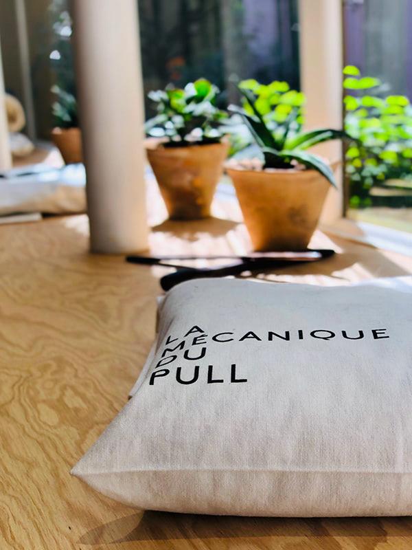 Pull is not over - Pull tricoté dans des qualitéséthiques etdurables